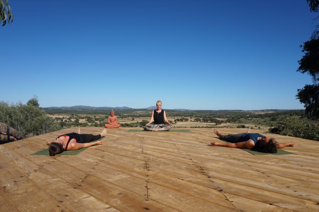 yoga teacher volunteering